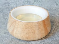 Rubber wood lather bowl with plastic insert