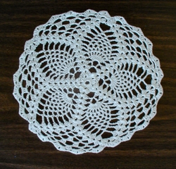 Round Pineapple Motif Doilies - 8 Inch